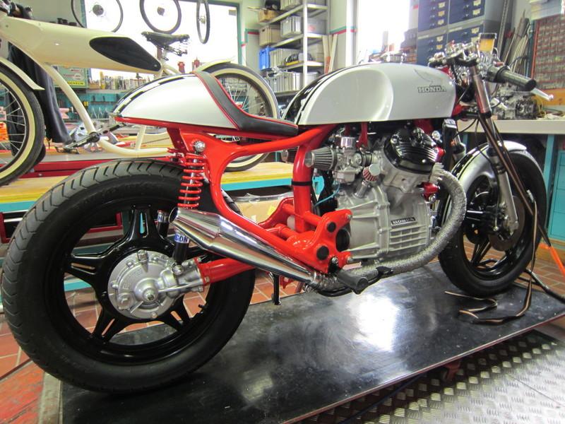 CX 500 with vonzeti parts ! Cache_2426784544