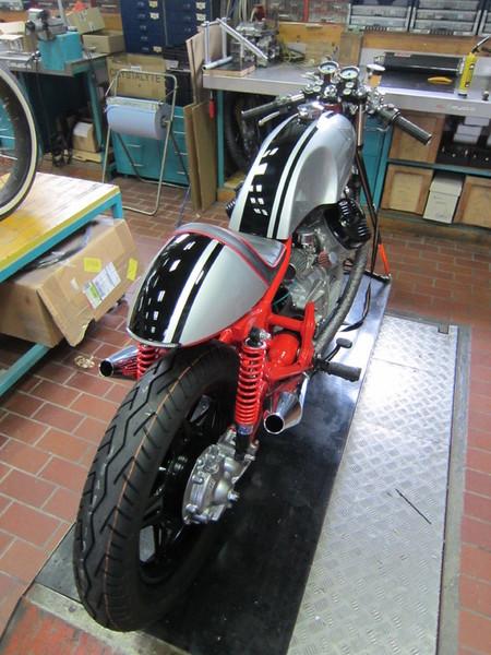 CX 500 with vonzeti parts ! Cache_2426784545